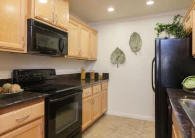 Eco-friendly kitchen & custom cabinet